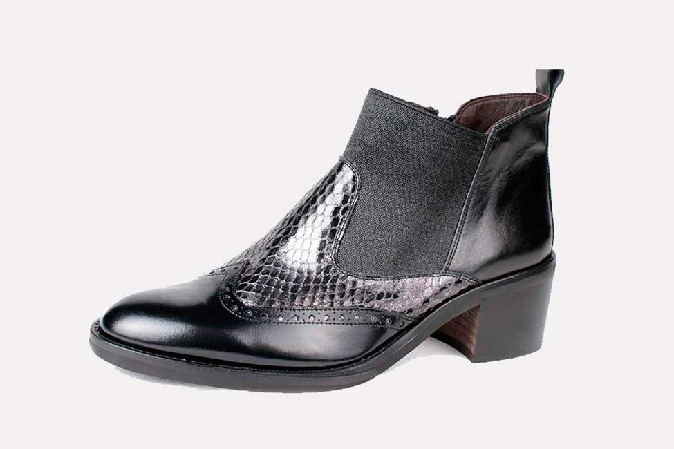 Small SIze leather ankle bootie Midheel leather ankle chelsea mid heel
